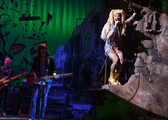 "Review: ""Hedwig and the Angry Inch"" at The Golden Gate Theatre (tour)"